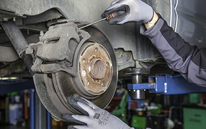 mechanika samochodowa zdjęcie